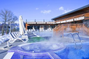 Regnum Banya Thermal Winter time - outdoor jacuzzi with hot mineral water